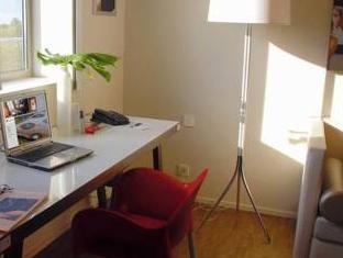 Only Suites Charles De Gaulle Paris - Suite Room