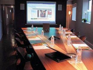Only Suites Charles De Gaulle Paris - Meeting Room