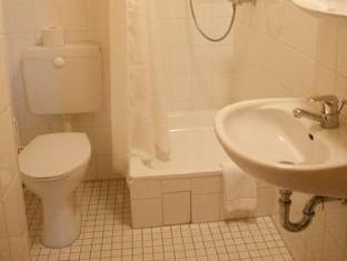 โรงแรมอัลท์ ฟอยเออร์วัค เบอร์ลิน - ห้องน้ำ