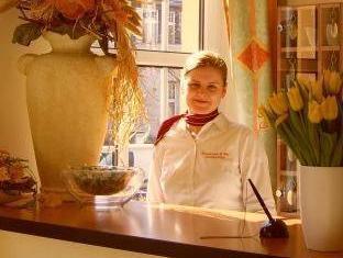 โรงแรมอัลท์ ฟอยเออร์วัค เบอร์ลิน - เคาน์เตอร์ต้อนรับ