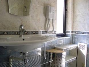 Hotel Royal Bel Air Parijs - Badkamer