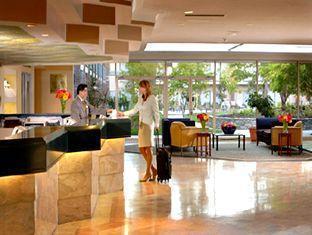 Sheraton Vancouver Airport Hotel Richmond (BC) - Hotel Lobby