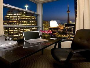 One King West Hotel and Residence टोरंटो (ON) - सुइट कक्ष