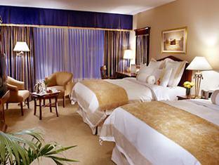 Marriott Toronto Bloor Yorkville Hotel Toronto (ON) - Two Queen Beds Guest Room