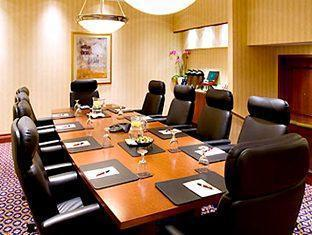 Marriott Toronto Bloor Yorkville Hotel Toronto (ON) - Executive Boardroom
