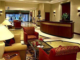 Marriott Toronto Bloor Yorkville Hotel Toronto (ON) - Elegant Lobby