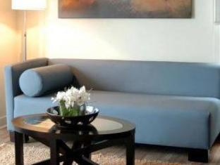 Cosmopolitan Toronto Centre Hotel and Spa Toronto (ON) - Suite Room