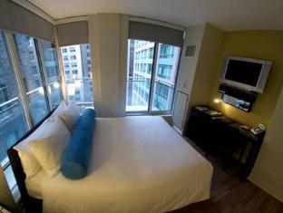Cosmopolitan Toronto Centre Hotel and Spa Toronto (ON) - Guest Room