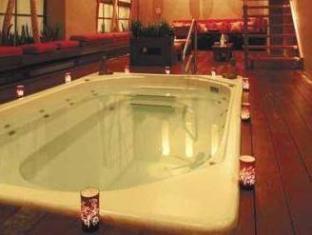 Cosmopolitan Toronto Centre Hotel and Spa Toronto (ON) - Hot Tub