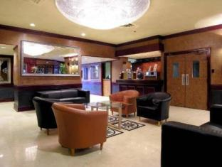 Howard Johnson Plaza Vancouver Hotel Vancouver (BC) - Lobby