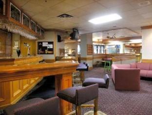 Howard Johnson Plaza Vancouver Hotel Vancouver (BC) - Pub/Lounge