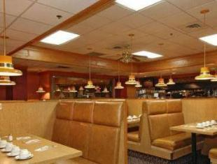 Howard Johnson Plaza Vancouver Hotel Vancouver (BC) - Restaurant