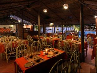 Pride Sun Village Resort and Spa North Goa - Food, drink and entertainment