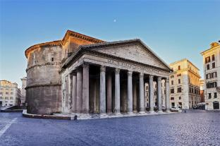 Pantheon - 1.9 km di distanza