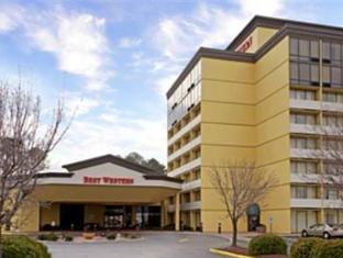 Clarion Inn and Suites By Hampton Convention Center
