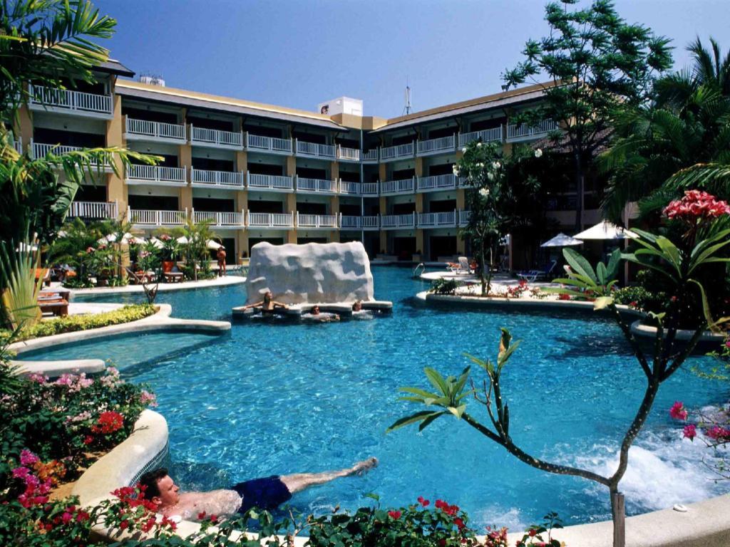 Thara Patong Beach Resort And Spa