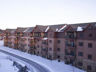Glacier Canyon Resort