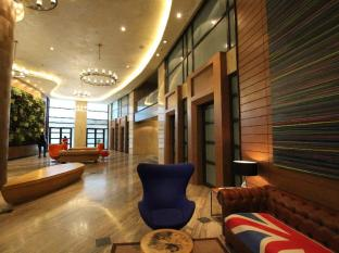 SIGLO SUITES @ The Knightsbridge Residences