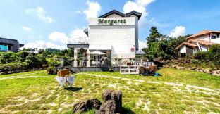 Margarret Pension & Antique Cafe