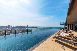 The Base Pattaya by Favstay
