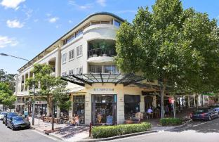 NEUTRAL BAY FULLY SELF CONTAINED MODERN 3 BED APARTMENT (46YOU)