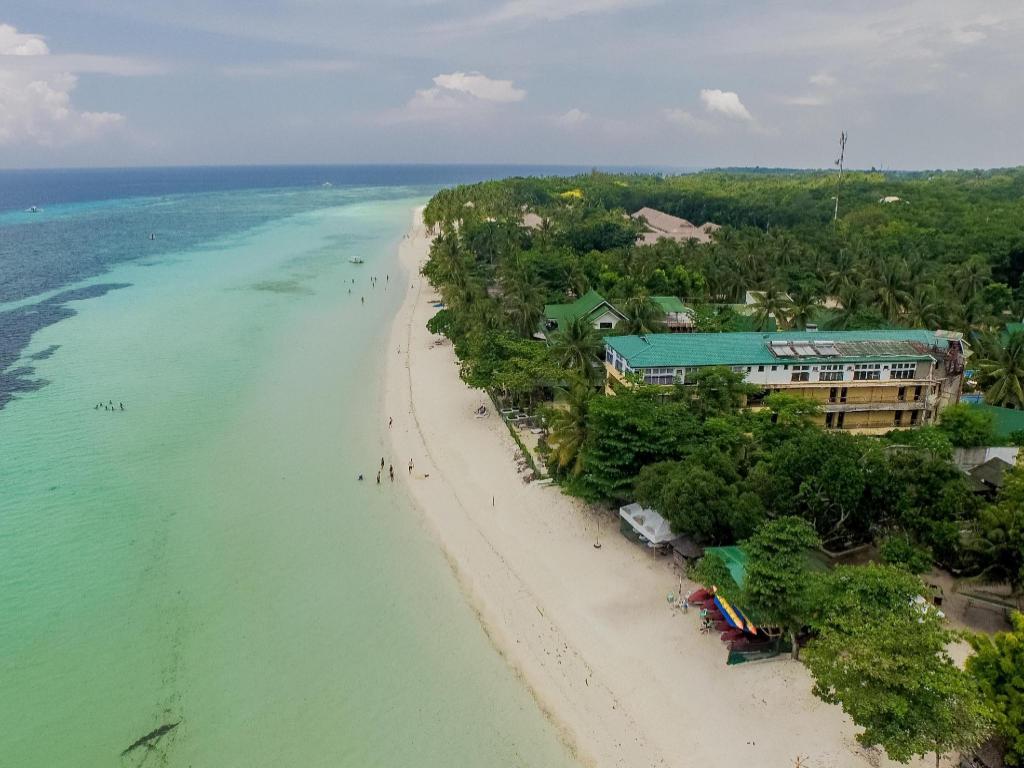 Best Price on Dumaluan Beach Resort in