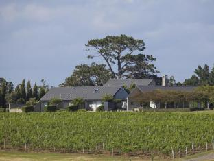 Takatu Lodge & Vineyard Matakana