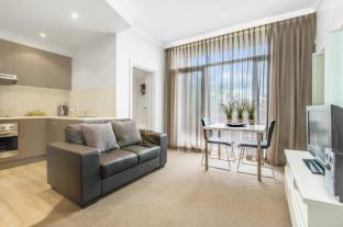 Ward Street – Adelaide DressCircle Apartments