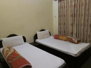Mayadevi Guest House & Hot Kitchen