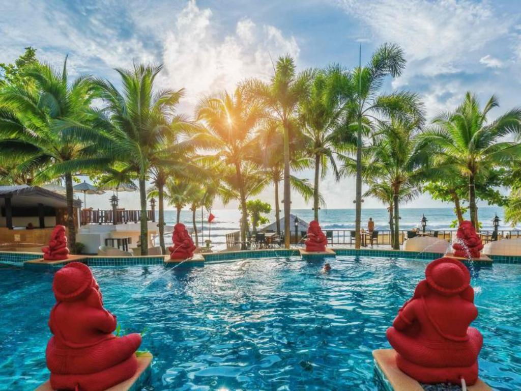 Das Andaman White Beach Resort in Phuket buchen