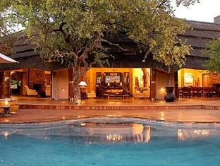 Tuningi Safari Lodge