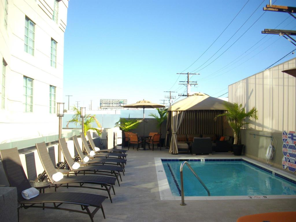 Best price on the orlando hotel in los angeles ca reviews for Hotels 90028