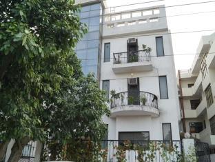 Great Place To Stay - Noida Sec 56