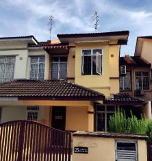 Dream Roof Holiday Home @ Bukit Indah