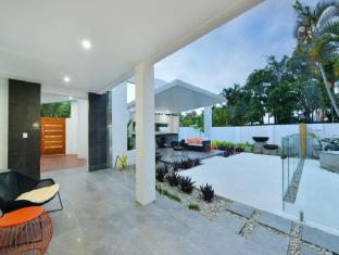 Andrews Port Douglas Holiday Home