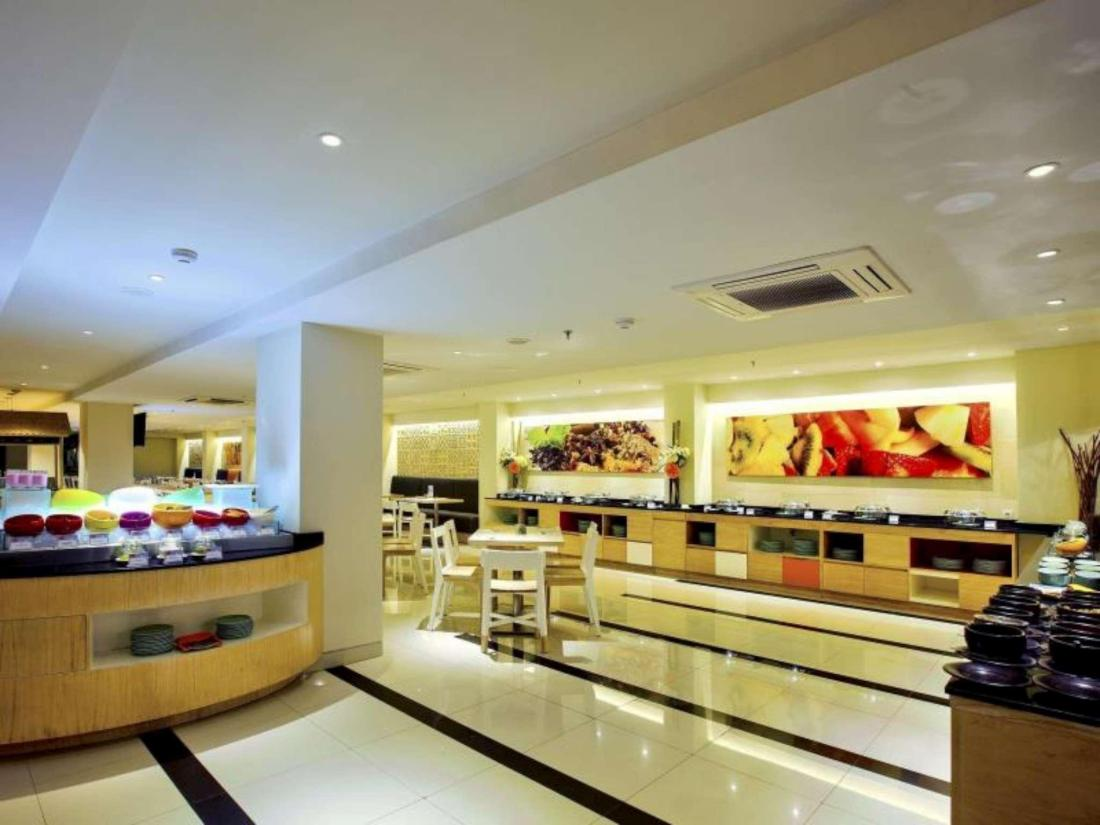 Best Price on HARRIS Hotel Seminyak in Bali + Reviews
