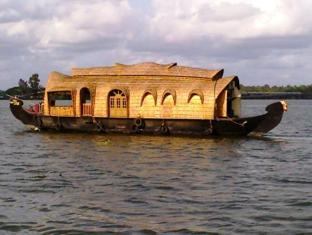 Kananavasan Houseboat