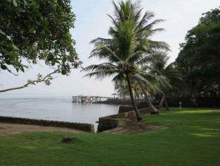 Padma Anyer Villa and Hotel