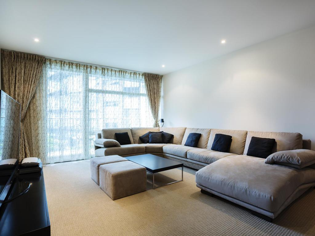 Best Price On Veeve Luxury 2 Bedroom Apartment Chelsea Bridge Wharf In London Reviews