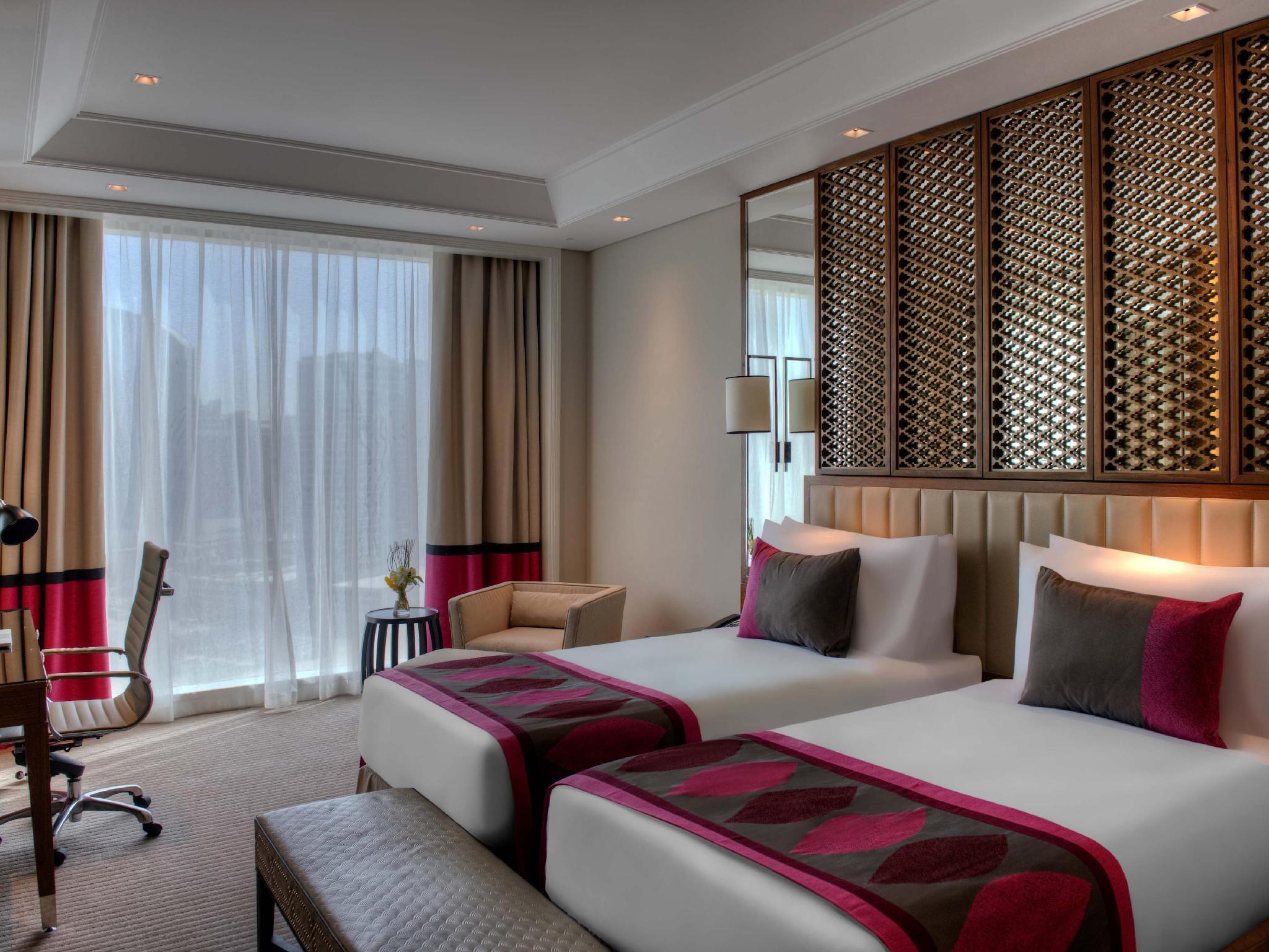 Best price on taj dubai in dubai reviews for Best value luxury hotels