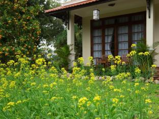 Tropical Garden Homestay Villa