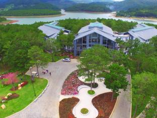 Terracotta Hotel and Resort Dalat