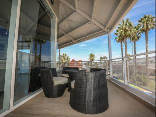 Indulge Apartments - CBD