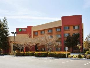 /ca-es/holiday-inn-express-hotel-union-city/hotel/union-city-ca-us.html?asq=jGXBHFvRg5Z51Emf%2fbXG4w%3d%3d