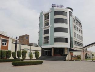 /cs-cz/hotel-krishna-continental/hotel/bhatinda-in.html?asq=jGXBHFvRg5Z51Emf%2fbXG4w%3d%3d