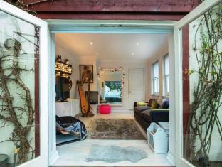 Veeve  2 Bed House On Stoneleigh Place Holland Park