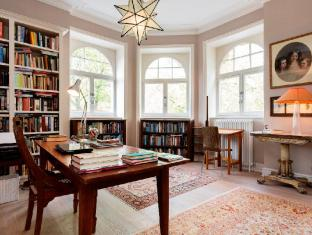 Veeve  3 Bed Flat Queens Mansions Kensington