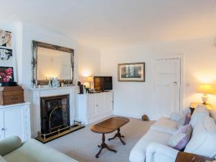 Veeve  4 Bedroom House With Garden Pensford Avenue Richmond