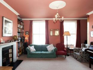 Veeve  3 Bed House On Oakley Road East London