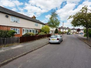 Veeve  3 Bed House With Large Garden Lambert Avenue Richmond